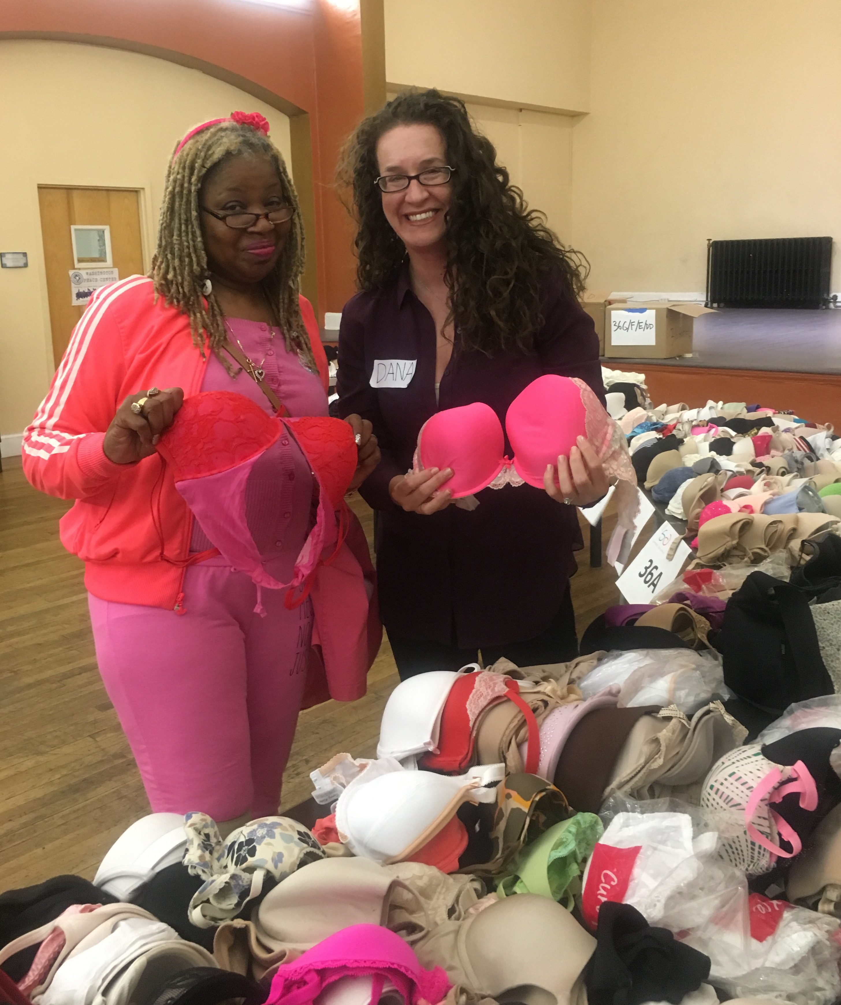 Dana Marlowe with a woman experiencing homelessness who received ISTG products